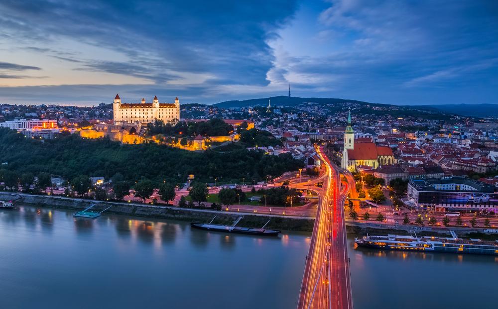 Vienna: come arrivare in auto, treno o aereo - Lonely Planet